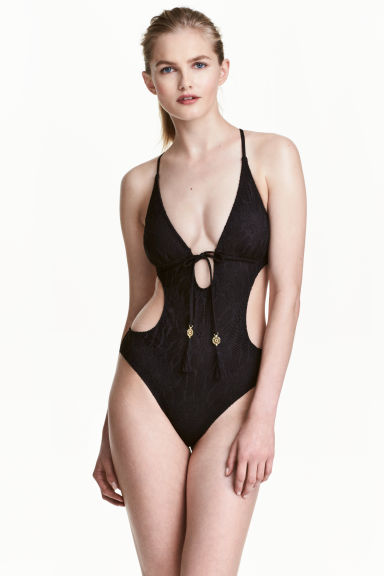 Cut-out swimsuit Model