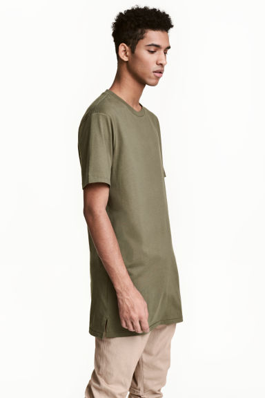 Long T-shirt - Khaki green - Men | H&M 1