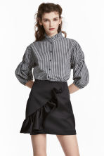 Frilled satin skirt - Black - Ladies | H&M 1