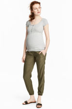 MAMA Lyocell cargo trousers - Khaki green - Ladies | H&M CN 1