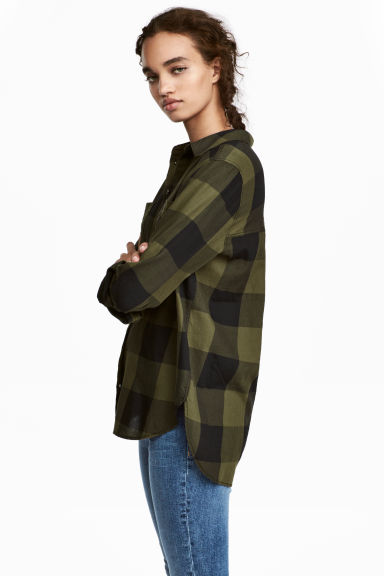 Cotton shirt - Khaki green/Checked - Ladies | H&M CN 1