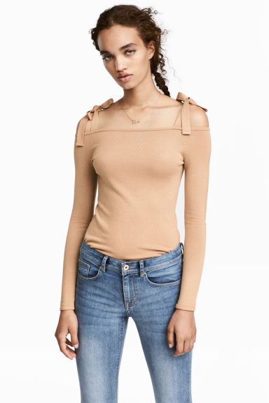 Cold shoulder top - Beige - Ladies | H&M 1