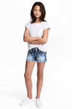 Patterned denim shorts - Denim blue/Star -  | H&M 1