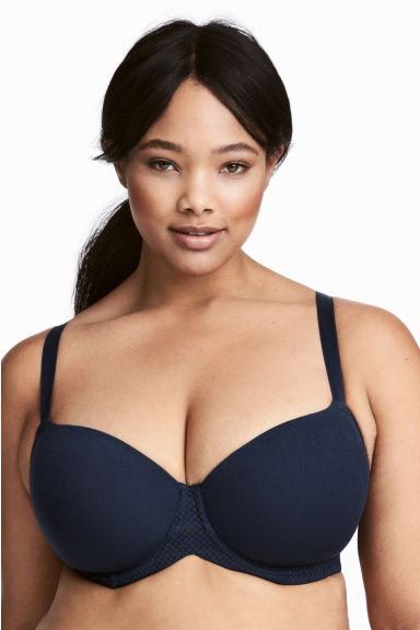 H&M+ 2-pack bras E/F cup Model