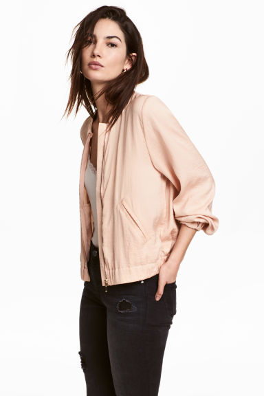 Satin bomber jacket Model