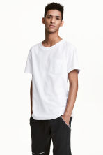 T-shirt with a chest pocket - White - Men | H&M CN 1