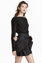 Pleated cropped top - Black - Ladies | H&M CN 1