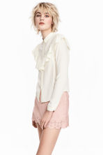 Frilled blouse - Natural white - Ladies | H&M 1