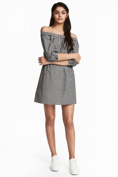 Off-the-shoulder dress - Black/White/Checked - Ladies | H&M 1