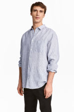 Linen shirt Relaxed fit - White/Blue striped - Men | H&M CN 1