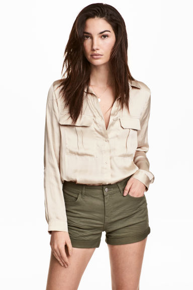Twill shorts - Khaki green - Ladies | H&M IE