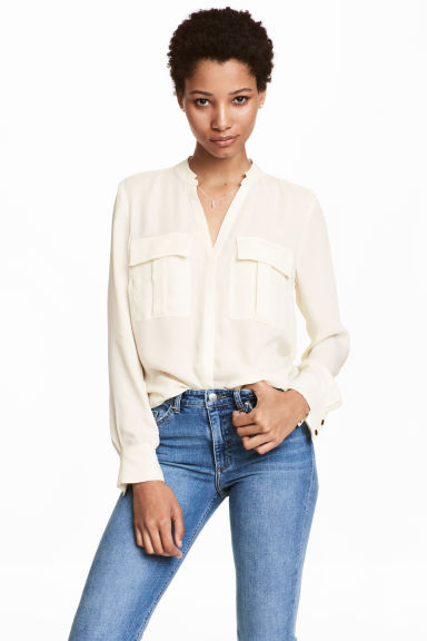 V-neck blouse - Natural white - Ladies | H&M CN