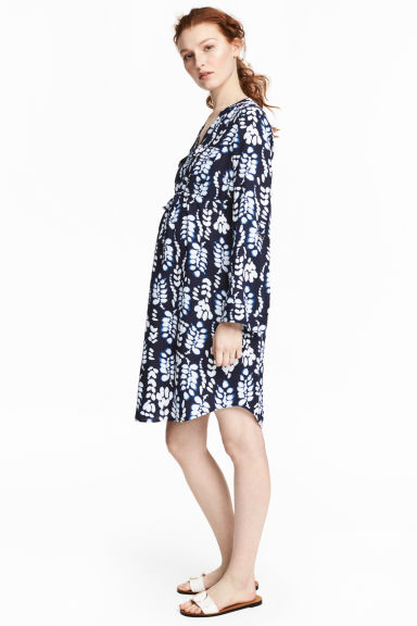 MAMA V領洋裝 - Dark blue/Patterned -  | H&M