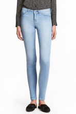 Feather Soft Low Jeggings - Light denim blue - Ladies | H&M 1