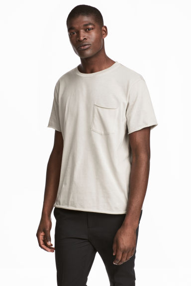 T-shirt with a chest pocket - Light grey - Men | H&M