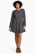 H&M+ Patterned dress - Black/Floral - Ladies | H&M 1