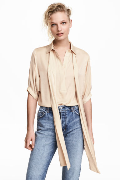 Pussybow blouse - Light beige - Ladies | H&M CN 1