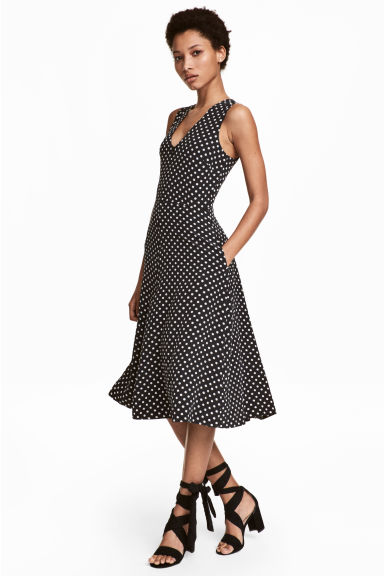 Sleeveless silk dress - Black/Spotted - Ladies | H&M CN 1