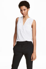 Sleeveless top - White/Spotted - Ladies | H&M CN 1