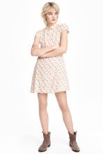 Crêpe dress - Natural white/Small floral - Ladies | H&M CN 1