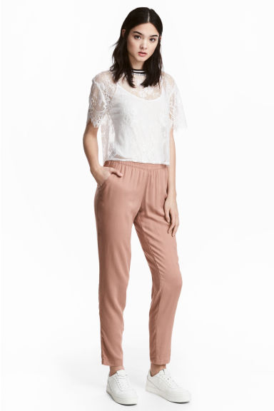 Trousers Loose fit Model