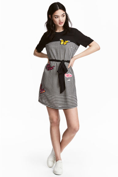 Dress with appliqués - Black/White/Checked - Ladies | H&M 1