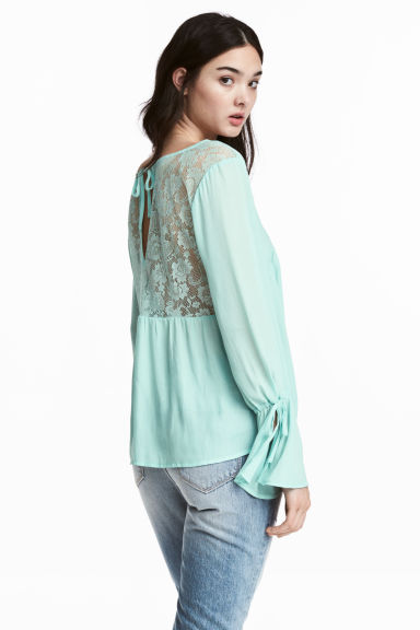V-neck blouse - Mint green - Ladies | H&M CN
