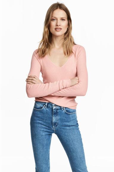 Silk-blend V-neck jumper Model