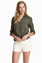 Twill shorts - Natural white - Ladies | H&M 1