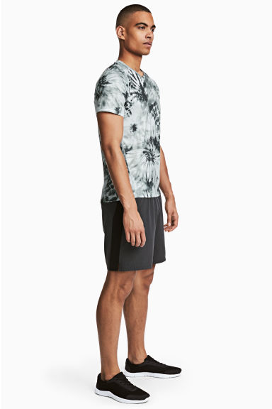 Running shorts - Dark grey - Men | H&M 1
