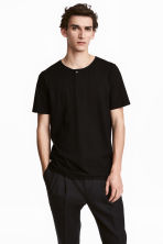 T-shirt with buttons - Black - Men | H&M CN 1
