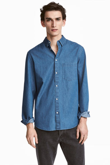 Denim shirt Regular fit - Denim blue - Men | H&M CN 1