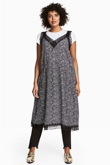 H&M+ Patterned dress - Black/Floral -  | H&M