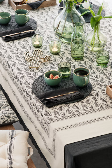 Patterned tablecloth - Natural white/Leaf  - Home All | H&M CN 1