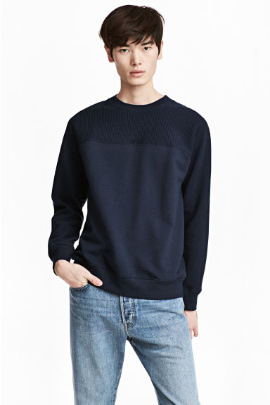 Textured sweatshirt - Dark blue - Men | H&M 1