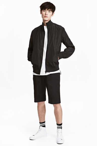 Chino shorts - Black - Men | H&M 1