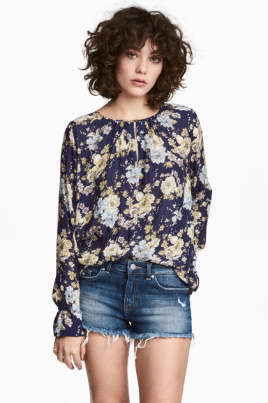 Long-sleeved blouse - Dark blue/Floral - Ladies | H&M CN 1