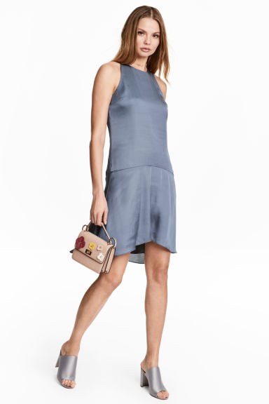 Sleeveless satin dress - Pigeon blue - Ladies | H&M CN