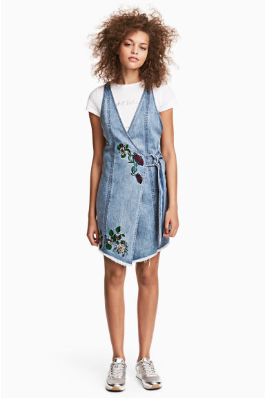 Denim dress - Denim blue/Embroidery - Ladies | H&M CA