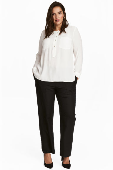 H&M+ Linen-blend trousers Model