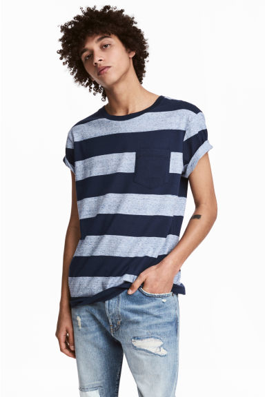 T-shirt with a chest pocket - Dark blue/Striped - Men | H&M 1