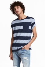 T-shirt con taschino - Blu scuro/righe - UOMO | H&M IT 1