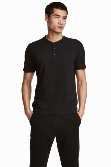 Short-sleeved Henley shirt - Black - Men | H&M 1