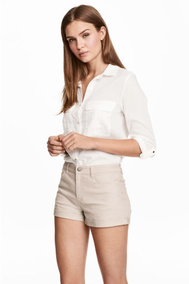 Twill shorts - Light mole - Ladies | H&M 1