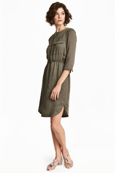 Shirt dress - Dark khaki green - Ladies | H&M CN 1