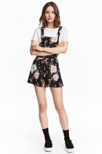 Patterned dungaree shorts - Black/Floral - Ladies | H&M CN 1