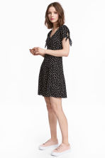 V-neck dress - Black/Spotted - Ladies | H&M CN 1