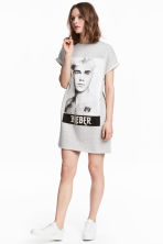 Short sweatshirt dress - Grey/Justin Bieber - Ladies | H&M 1