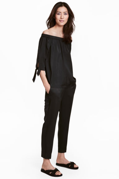 Cigarette trousers - Black - Ladies | H&M CN 1