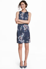 Short satin dress - Dark blue/Floral - Ladies | H&M CN 1